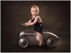tiny-baby-studio-newcastle-newborn-photographer-car-prop