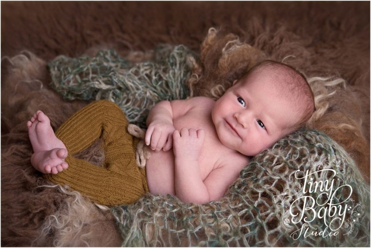 tiny-baby-studio-newcastle-newborn-photographer-smiling-newborn