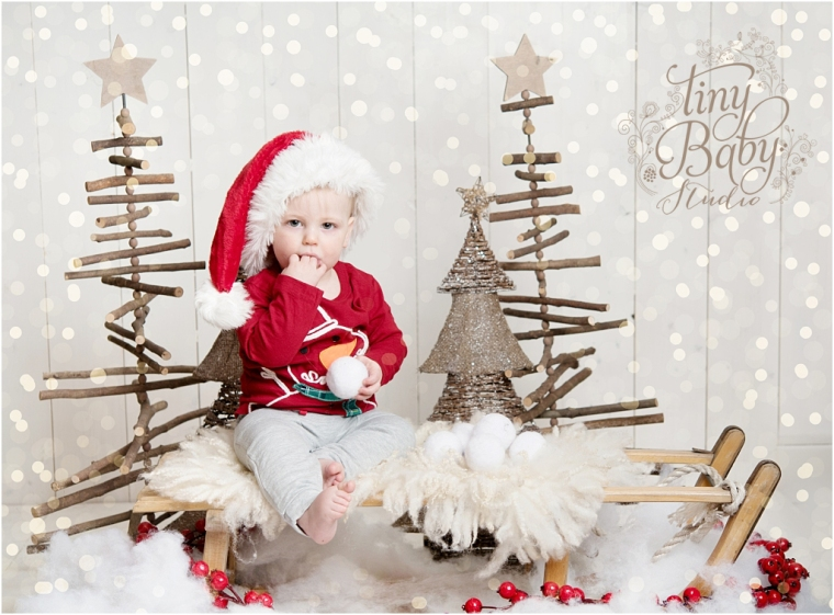 tiny-baby-studio-newcastle-newborn-baby-photographer-christmas-portrait