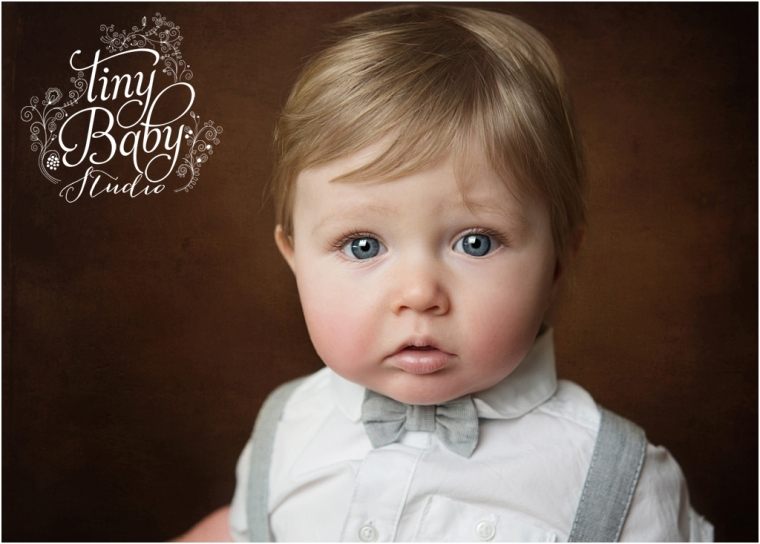 tiny-baby-studio-newcastle-newborn-baby-photographer-little-boy-sitting-session