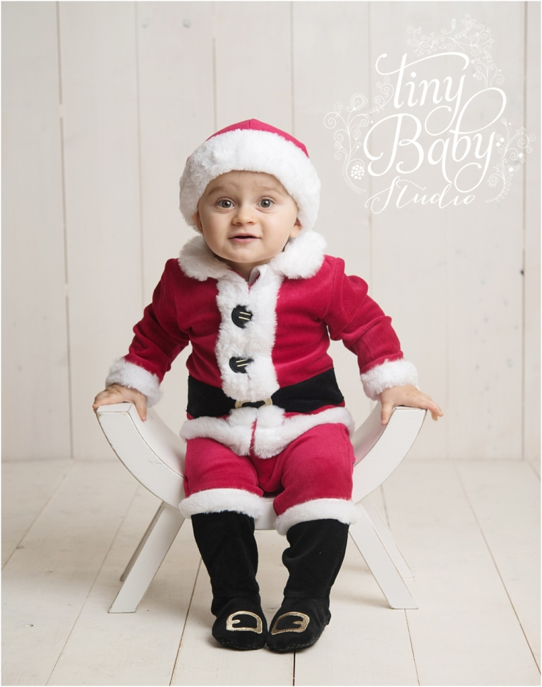 tiny-baby-studio-newcastle-newborn-baby-photographer-santa-baby