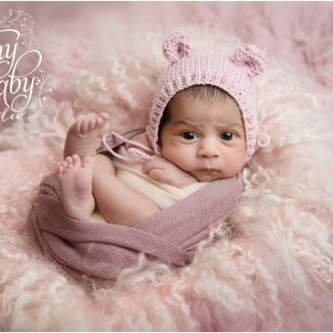 Tiny Baby Studio Newcastle newborn baby photographer awake newborn