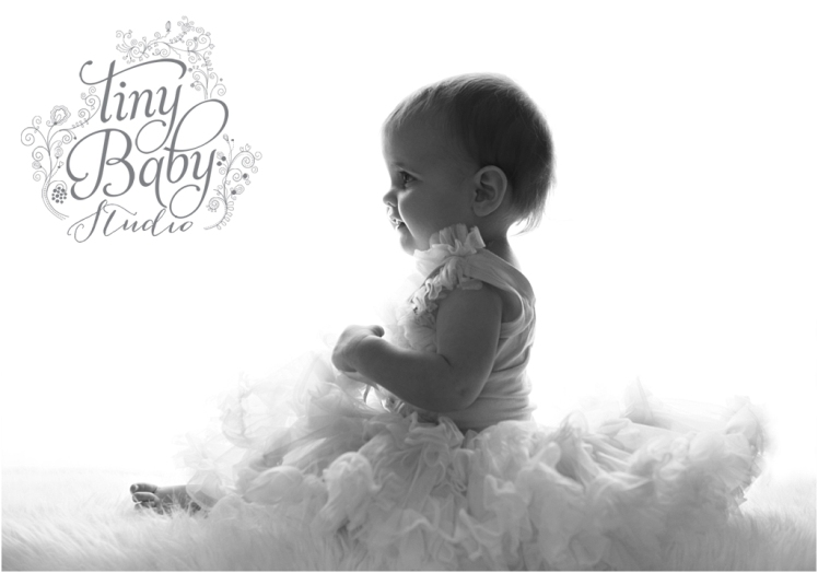 Tiny Baby Studio Newcastle newborn baby photographer backlit