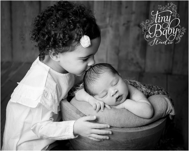 Tiny Baby Studio Newcastle newborn baby photographer newborn and sibling