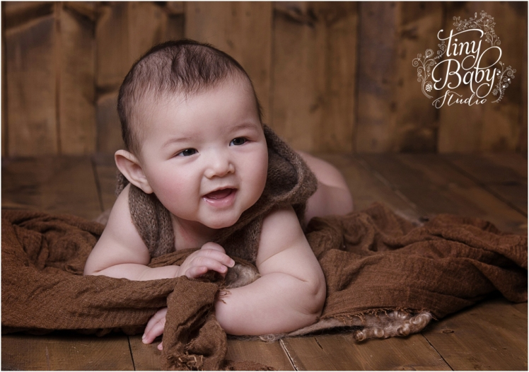 Tiny Baby Studio Newcastle newborn baby photographer sitter session brown tones